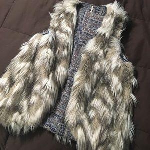 FP (Faux ?) Fur Vest